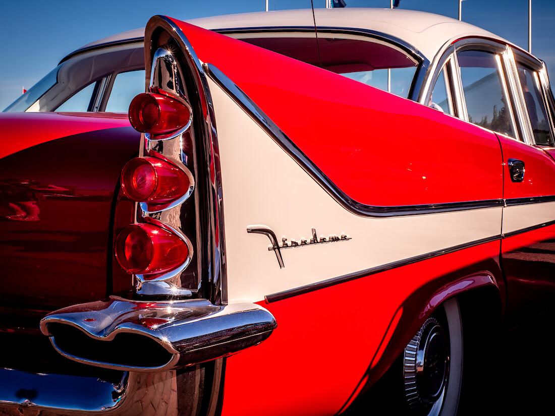 1958 DeSoto Firedome 4d Sedan takasiipi ja takavalot