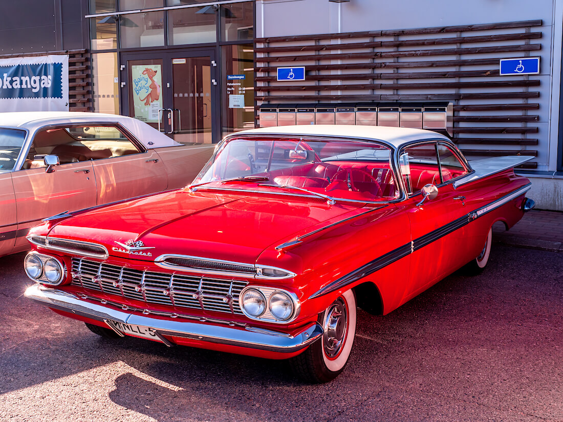 1959 Chevrolet Impala 350cid V8 museoauto