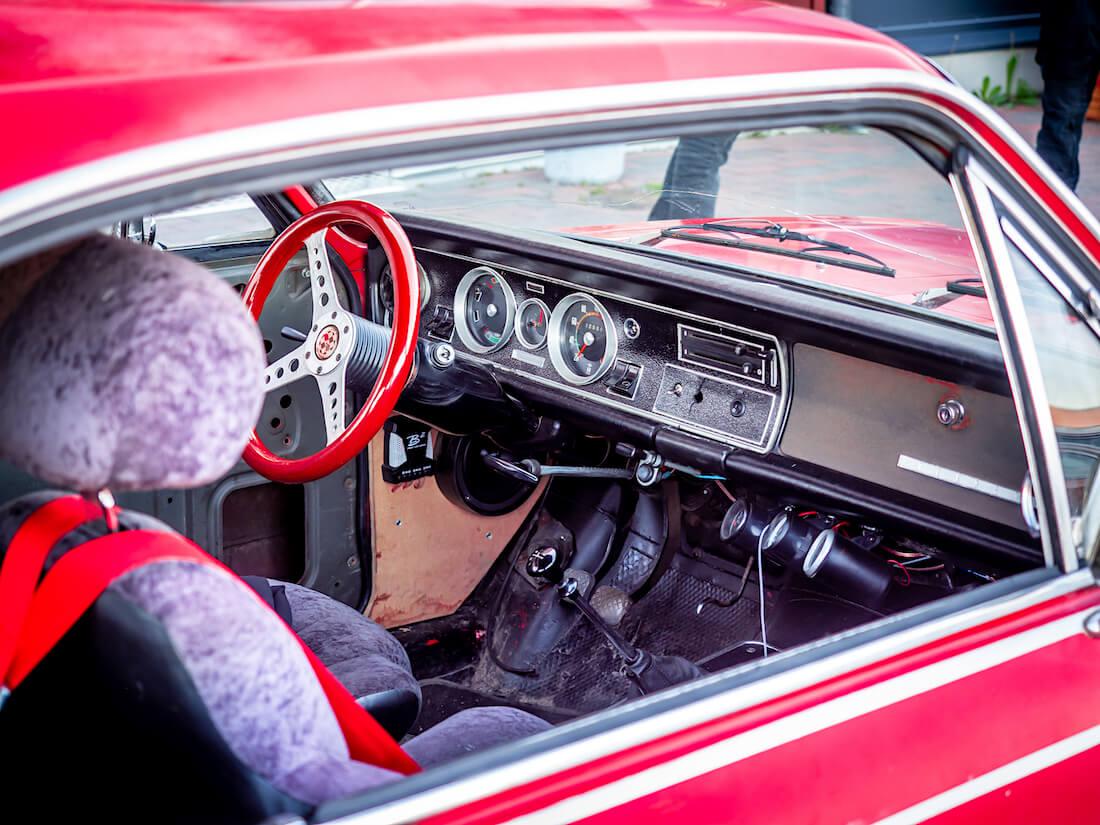 1969 Opel Rekord C Coupe plyysisisusta