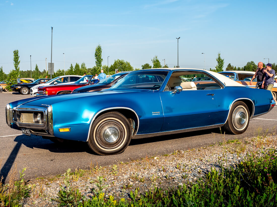 Sininen 1970 Oldsmobile Toronado 455cid V8