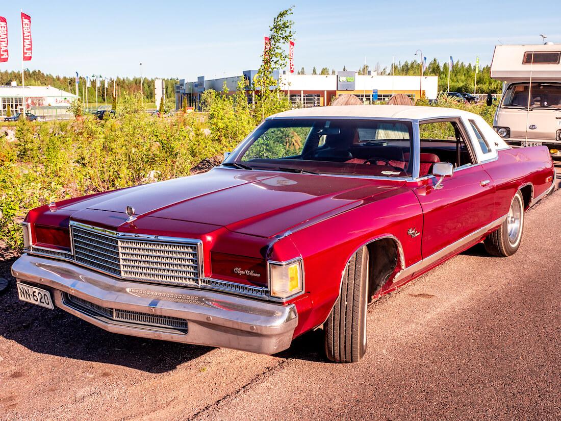 1976 Dodge Royal Monaco 440cid dollarihymy keula