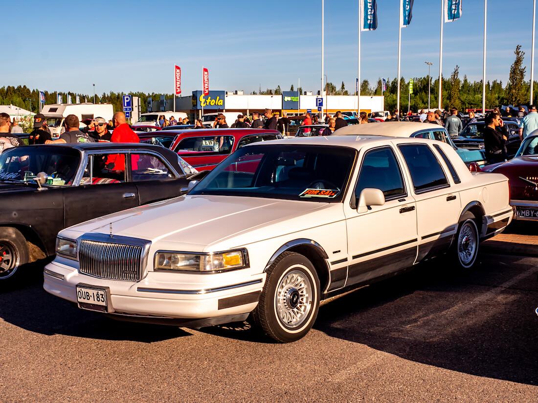 Myydään 1995 Lincoln Town Car 4.6L jenkkiauto Porvoossa