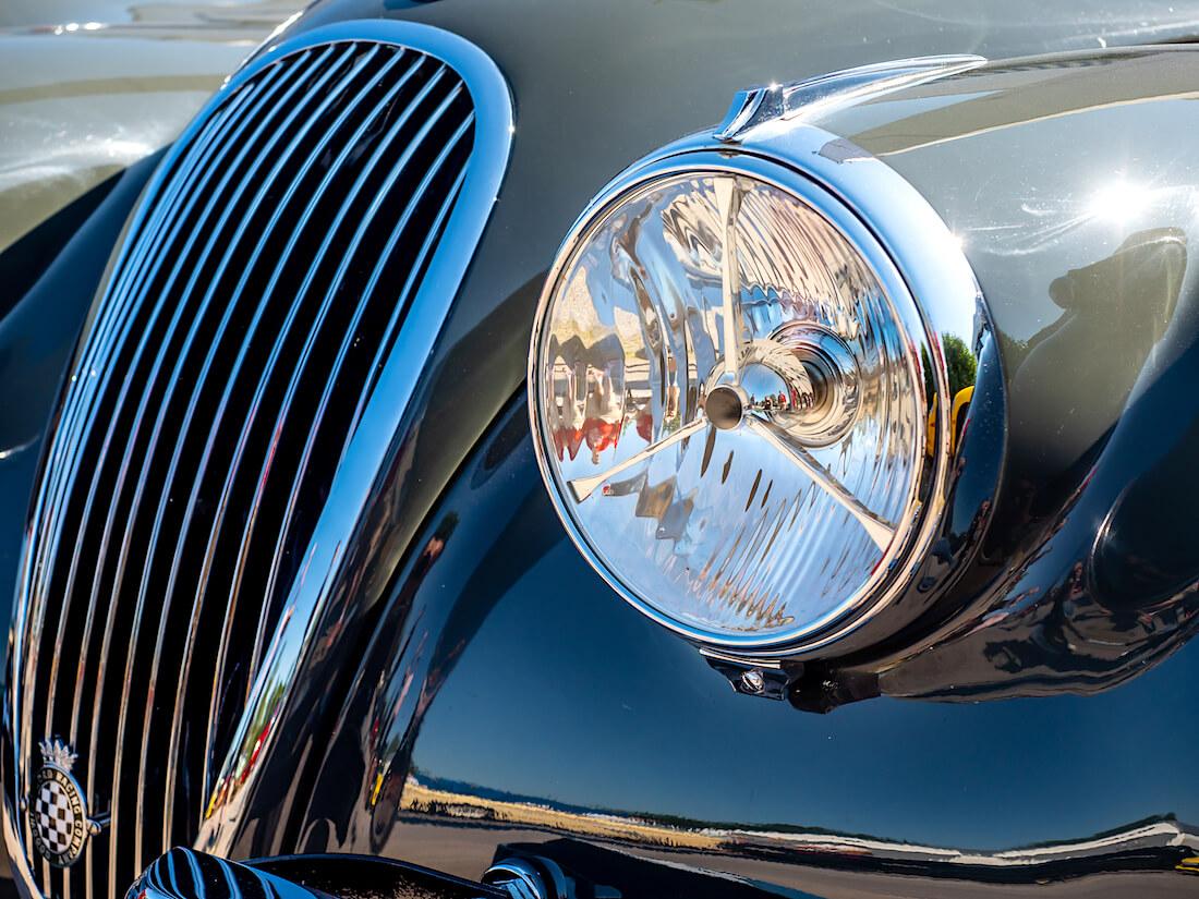1953 Jaguar XK120 SE ajovalo