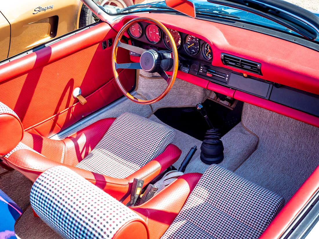 1979 Porsche 911 Speedster conversion sisusta