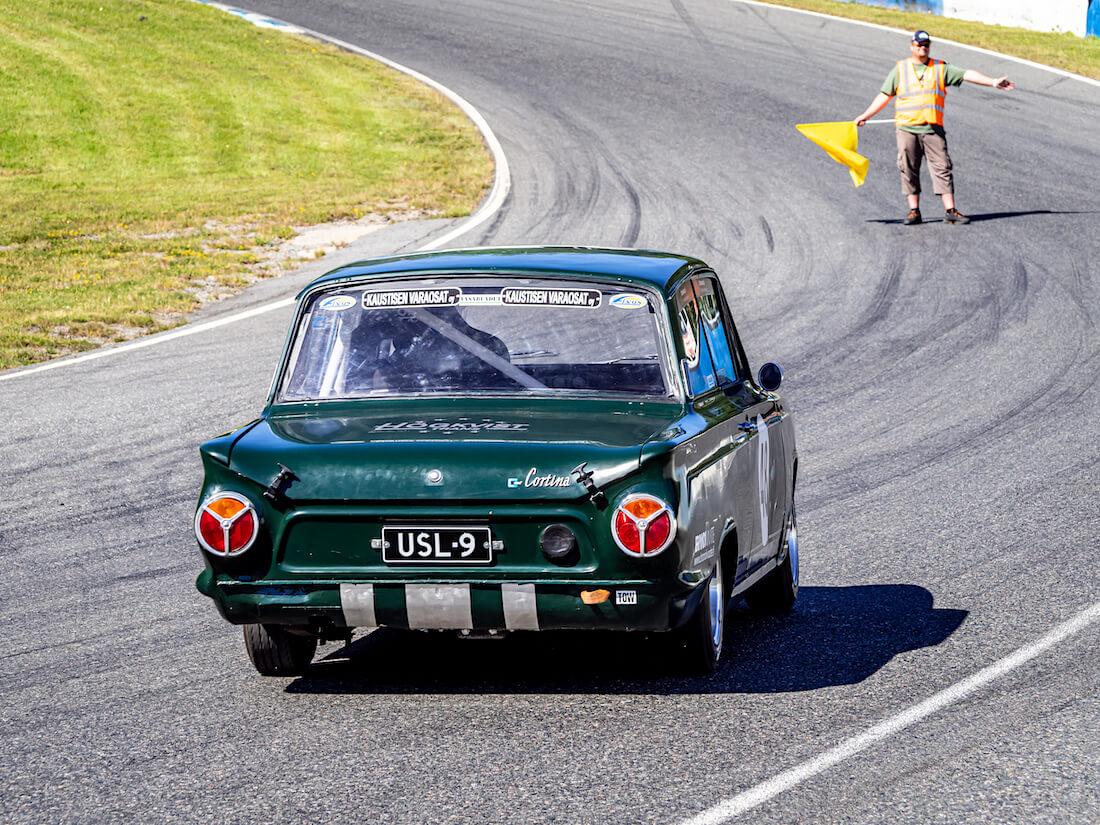 1965 Ford Cortina GT Ahveniston varikkokurvissa