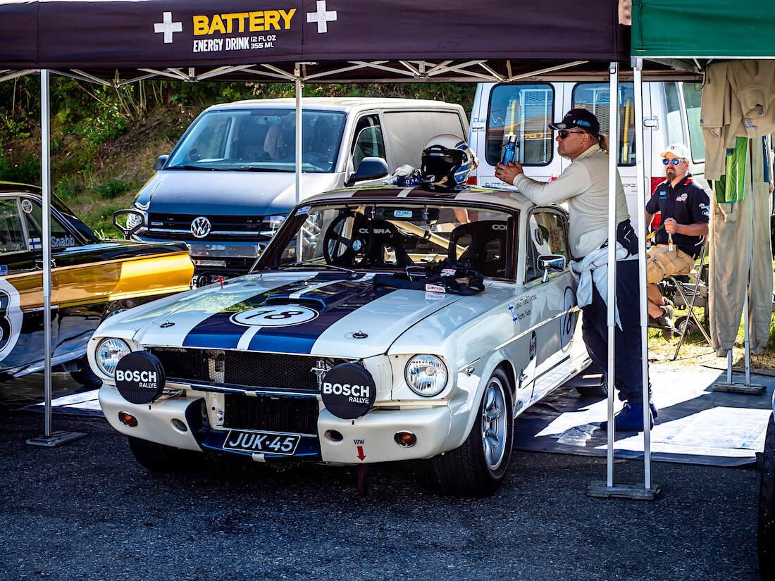 1965 Ford Mustang Shelby 350GT kilpa-auto Ahvenistolla