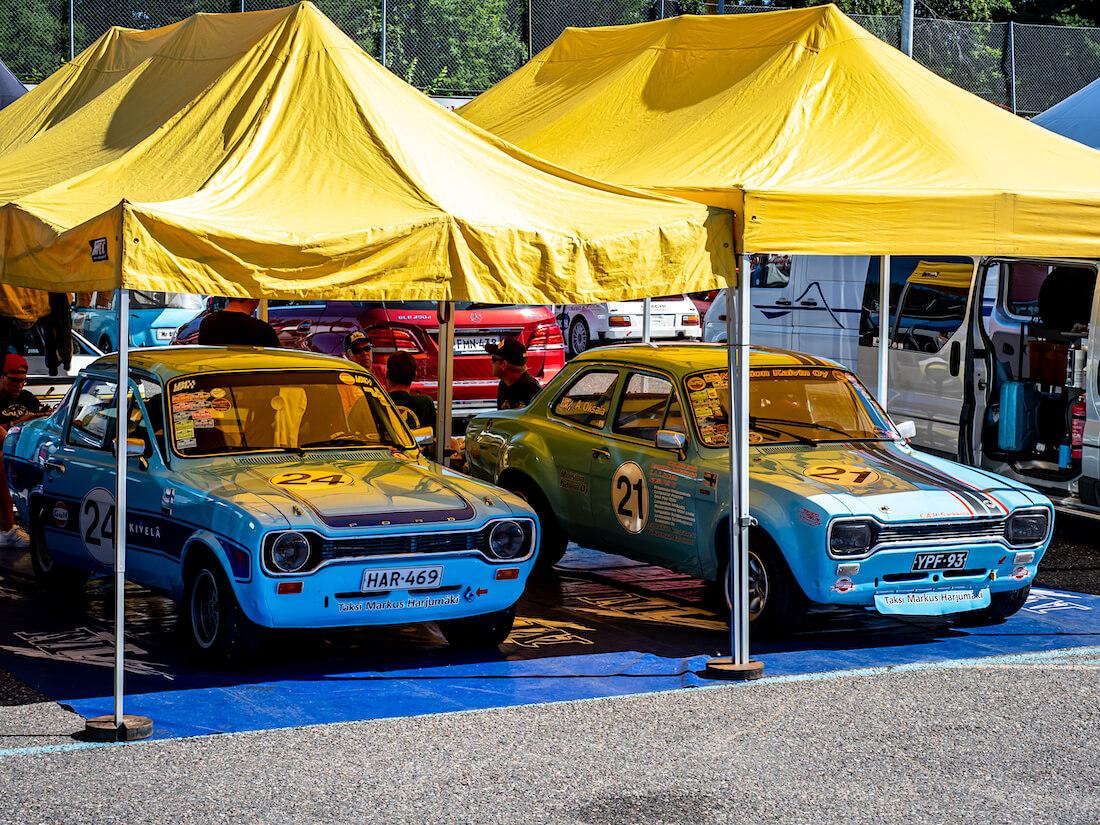 1971 Ford Escort 1300GT ja 1973 Ford Escort RS200