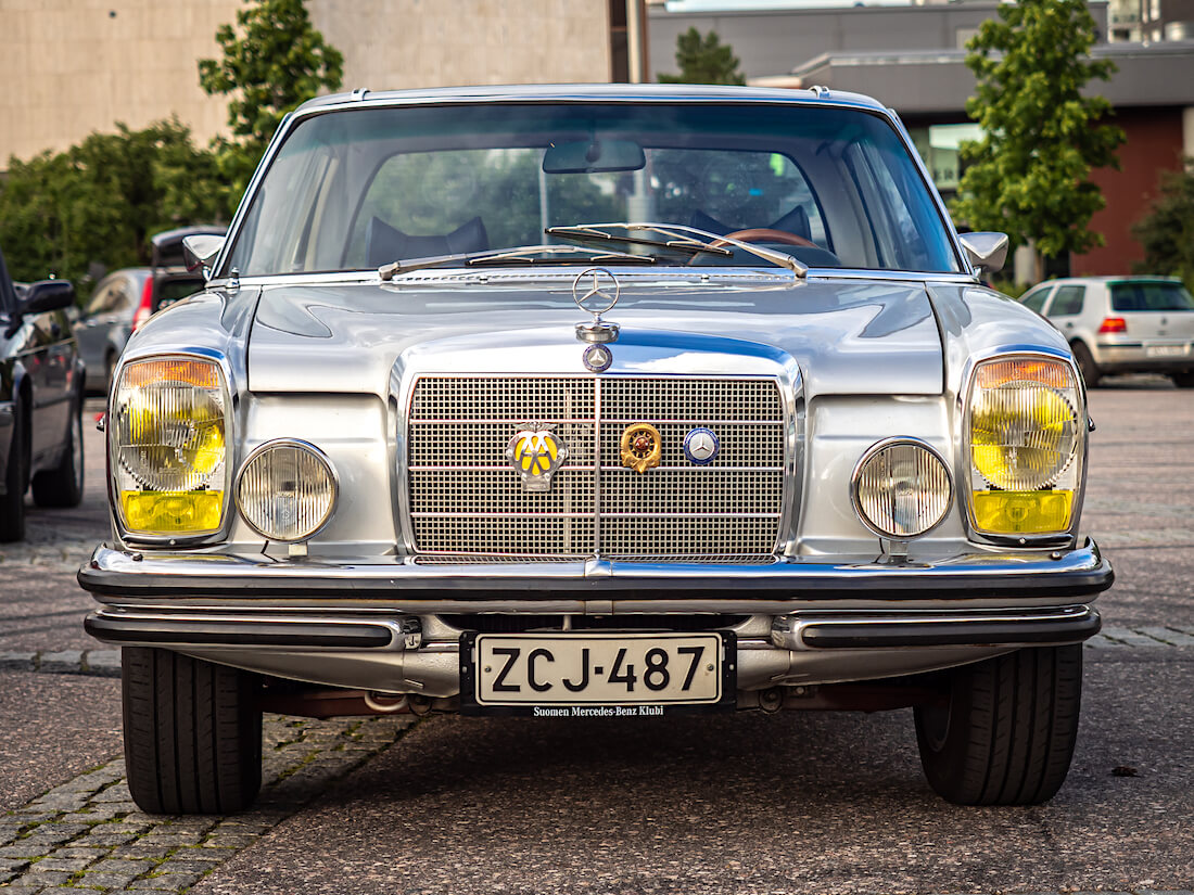1973 Mercedes-Benz 250c keula