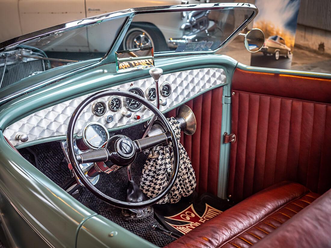 1932 Deuce Roadsterin nahkasisusta