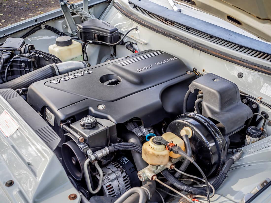 Volvo 850 2.5TDI moottori 145 Express konetilassa
