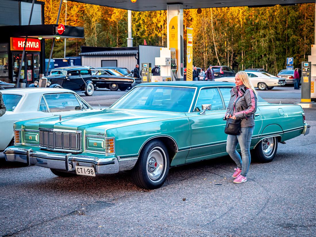 1977 Mercury Grand Marquis Järvenpään Cruising tapahtumassa