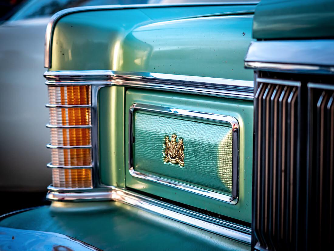 1977 Mercury Grand Marquis piiloon käännetty ajovalo