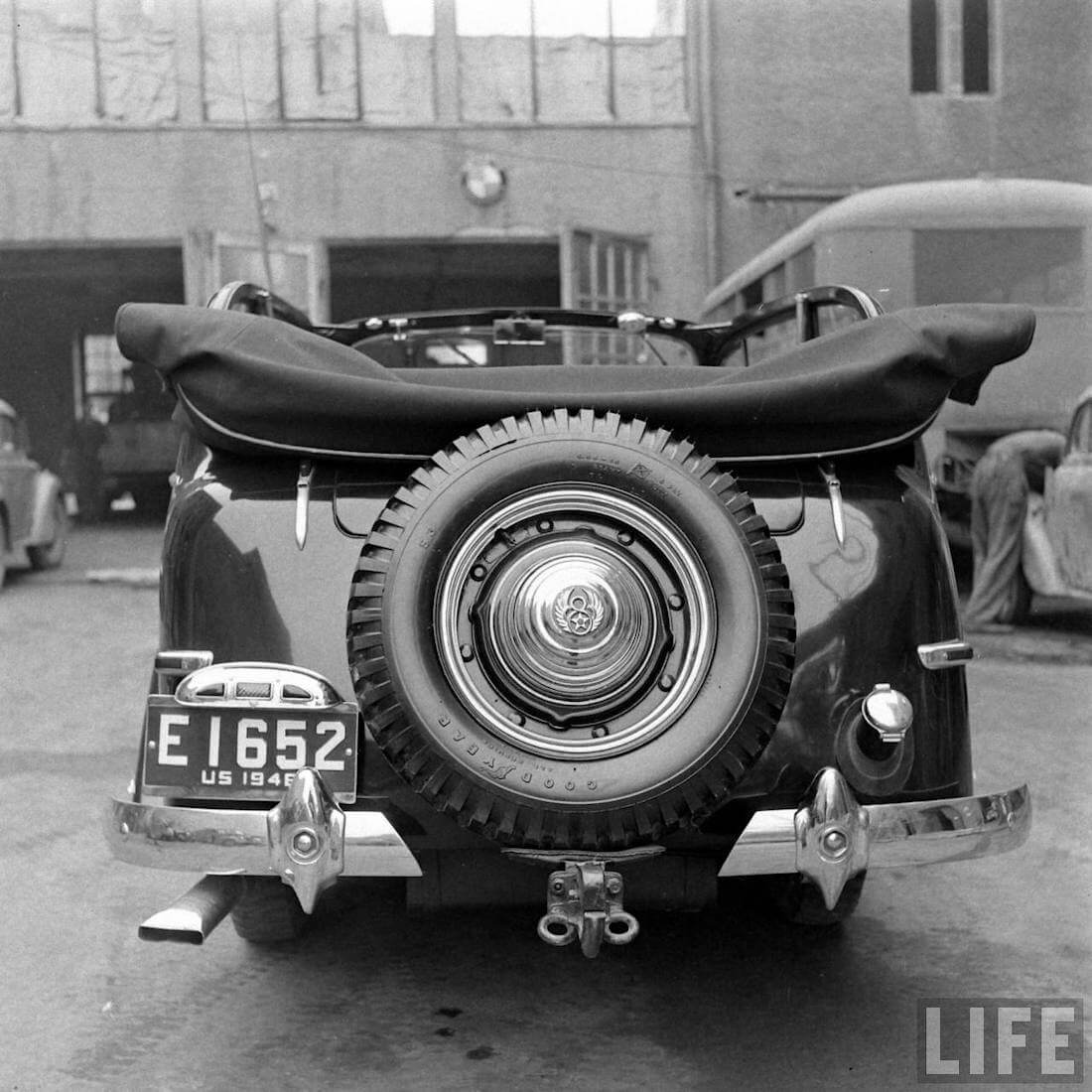 1946 Walter Coch Willys Continental tire