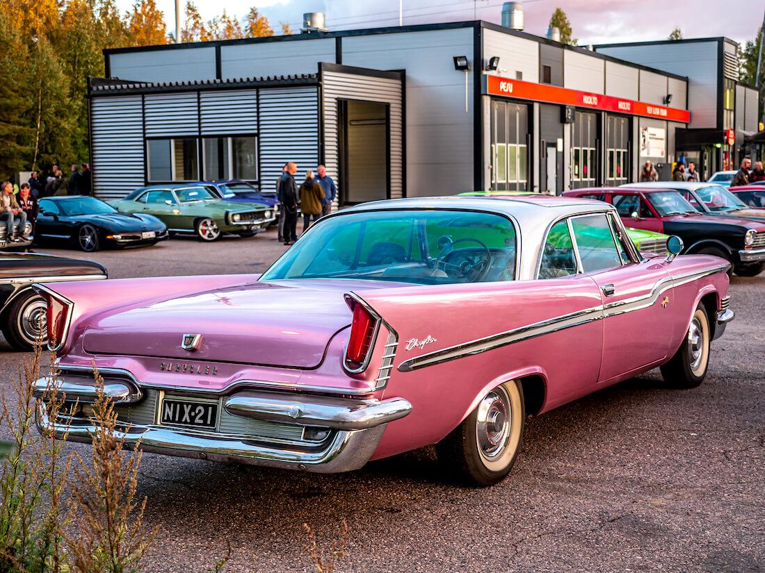 1959 Chrysler Windsor 383cid jenkkiauto takaa
