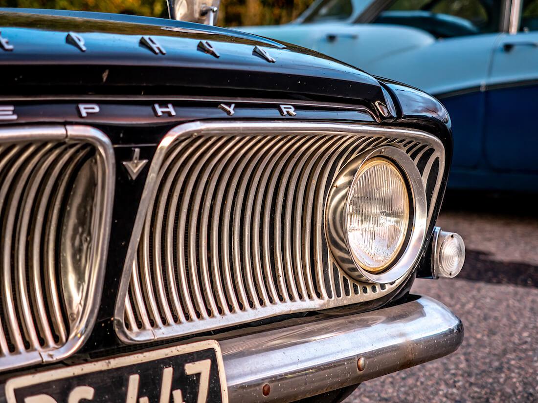 Musta 1963 Ford Zephyr 6 Mark III 2.6L maskin säleikkö