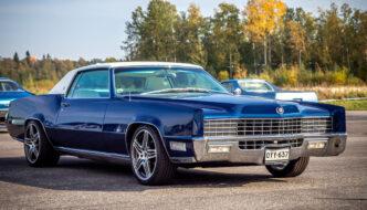 Sinivalkoinen 1967 Cadillac Eldorado Coupe 429cid V8