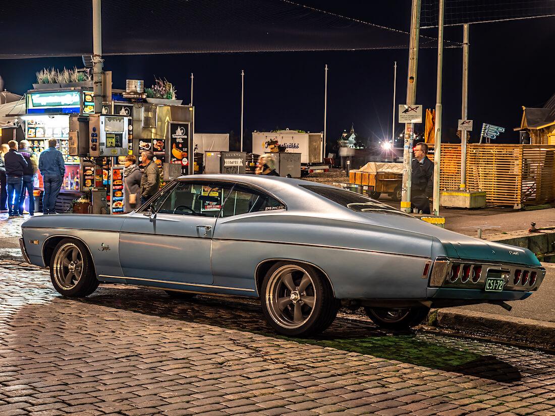 Vaaleansininen 1968 Chevrolet Impala 327cid V8 jenkkiauto kauppatorilla