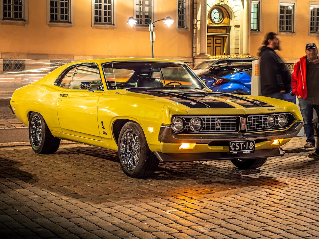 Keltainen 1971 Ford Torino Cobra Helsingin Kauppatorilla