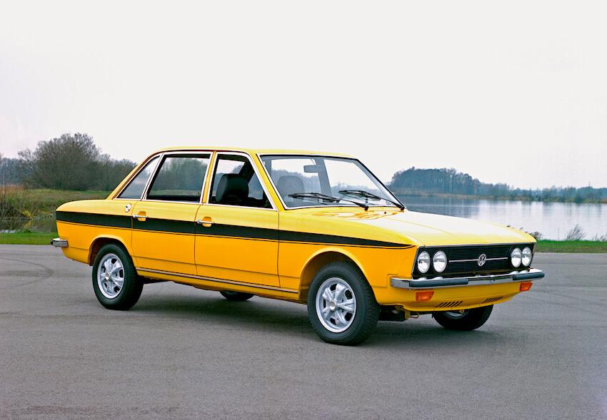 Keltamusta 1973 Volkswagen K70. Kuva: Volkswagen AG.