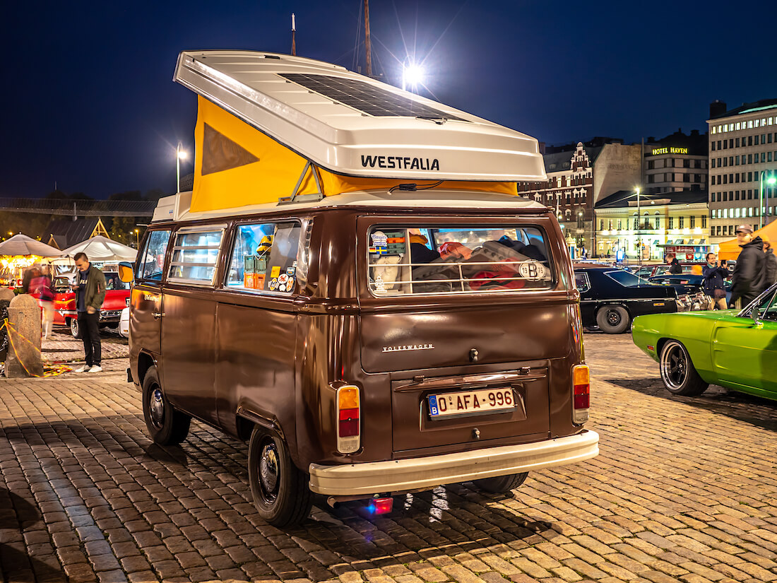 The Tonio Project 1975 VW T2b Westfalia Helsingissä