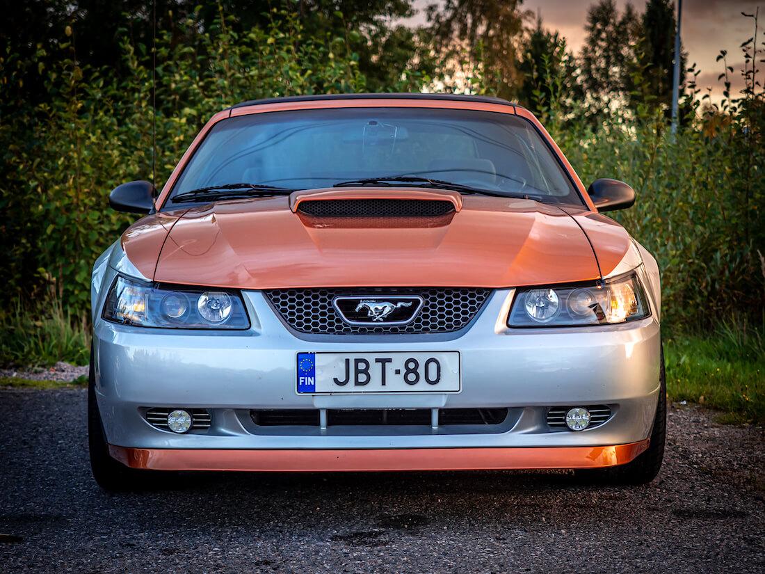 Vuosimallin 2000 Ford Mustang V6 New Edge