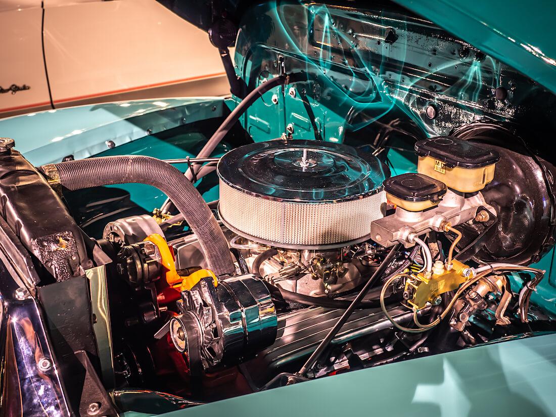 1955 Chevrolet 3100 235cid suora kutoskone jenkkiautossa