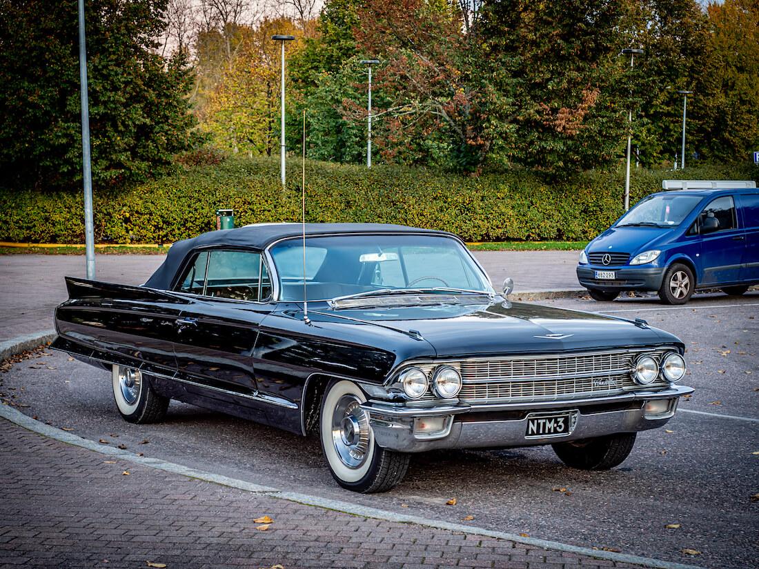 1962 Cadillac Sixty-Two avoauto V8-moottorilla