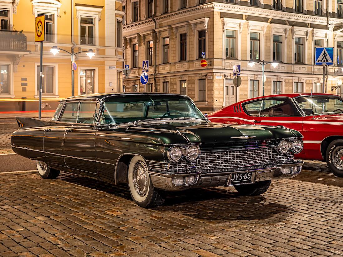1960 Cadillac Sedan De Ville 4-window jenkkiauto