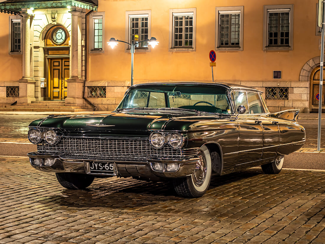 1960 Cadillac 4-window Sedan de Ville 390cid V8 jenkkiauto