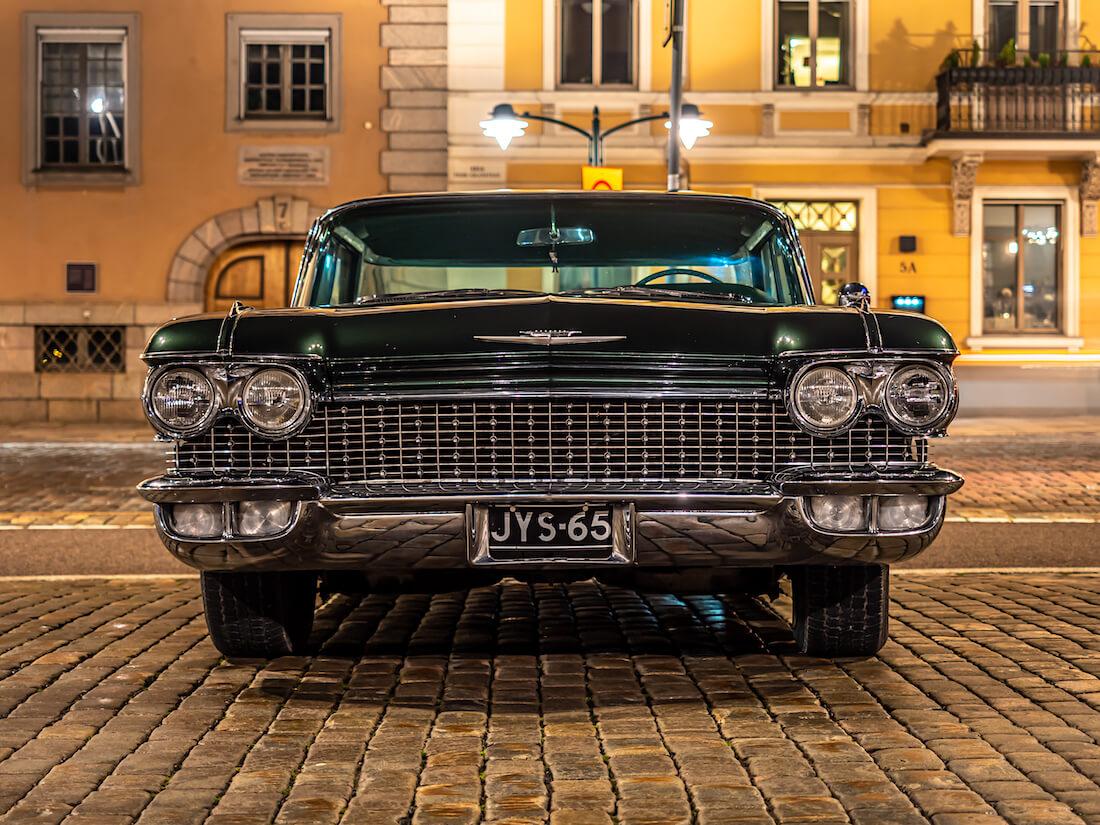 1960 Cadillac Sedan deVille edestä