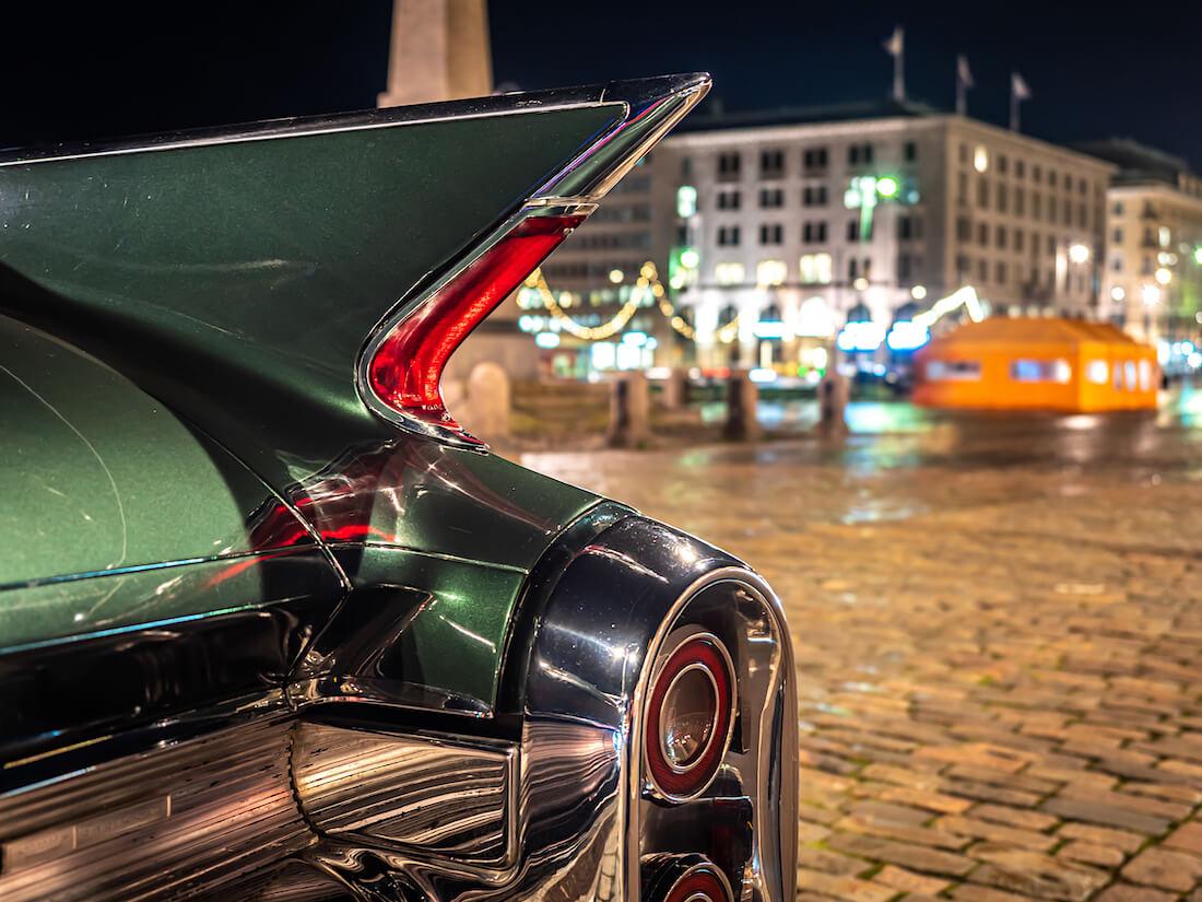 1960 Cadillac Sedan DeVillen takasiipi ja takavalo