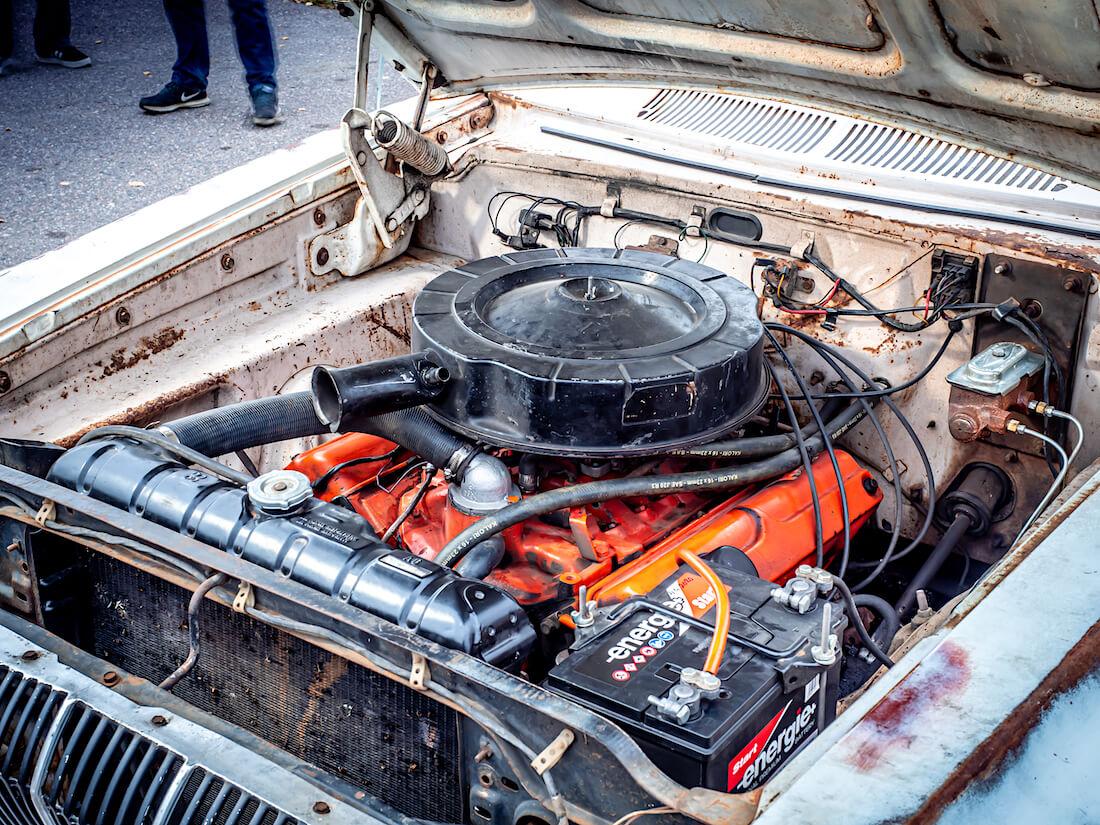 1962 Dodge Dartin 318cid V8-moottori