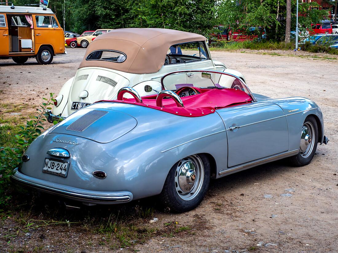 1968 kuplan alustalle rakennettu 1957 Porsche Scpeedster
