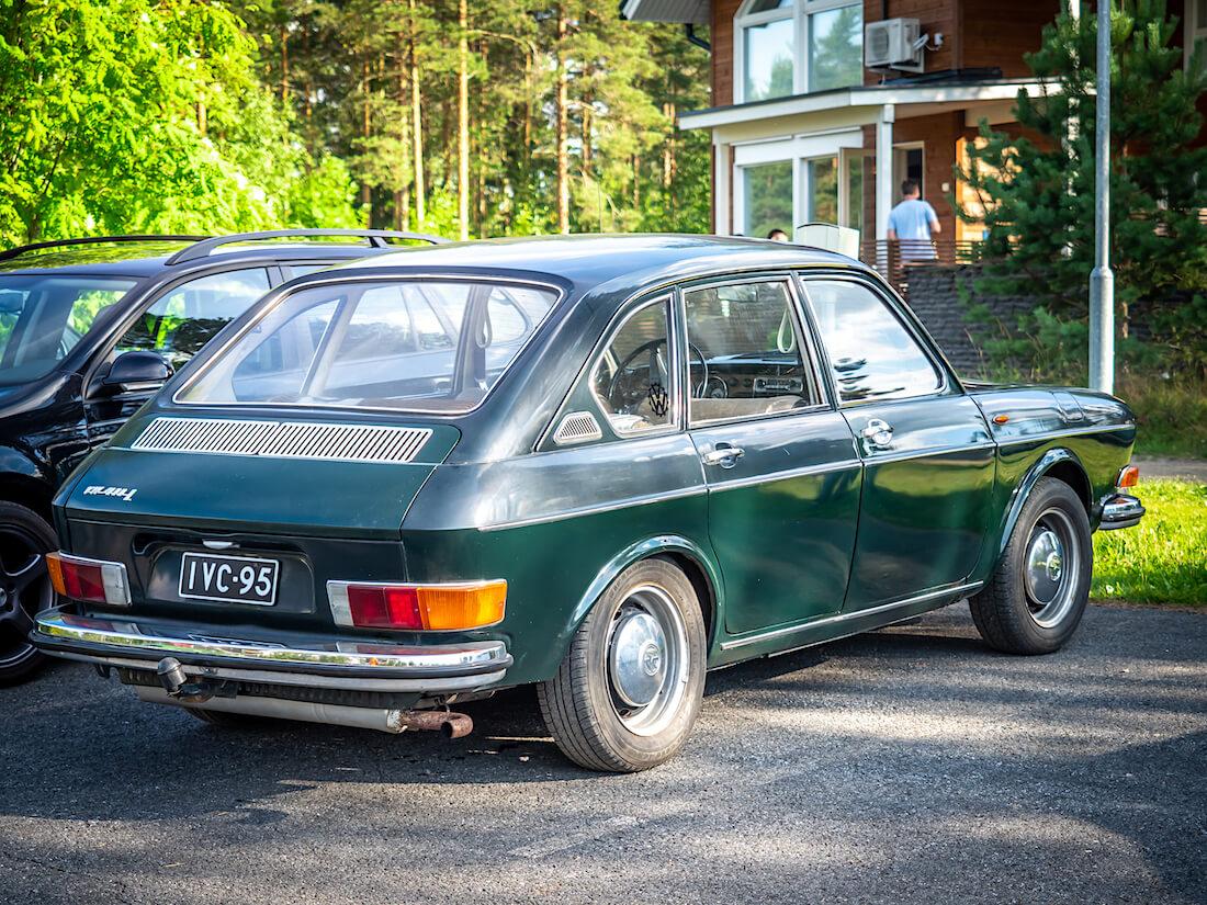 Museorekisteröity 1968 Volkswagen Type4 411L Sappeen hiihtokeskuksessa