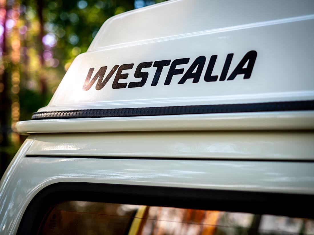 Westfalia-logo VW pallokeulan nostokatossa