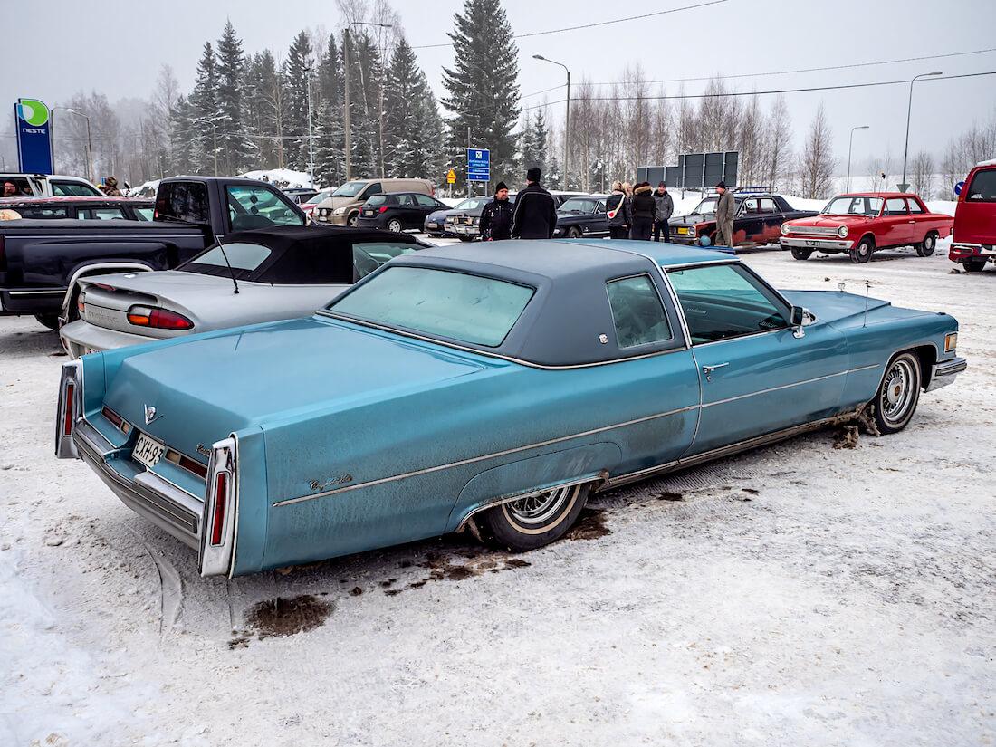 1976 Cadillac Coupe DeVille lowrider jenkkiauto