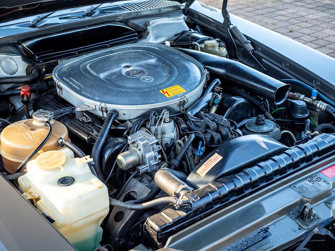 Mercedes-Benz SL 380 auton 3.8L V8-moottori