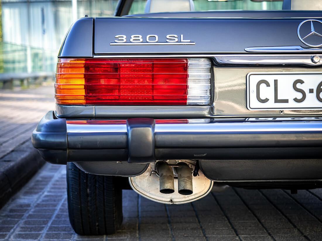 1985 Mercedes-Benz 380 SL avoauton takavalo