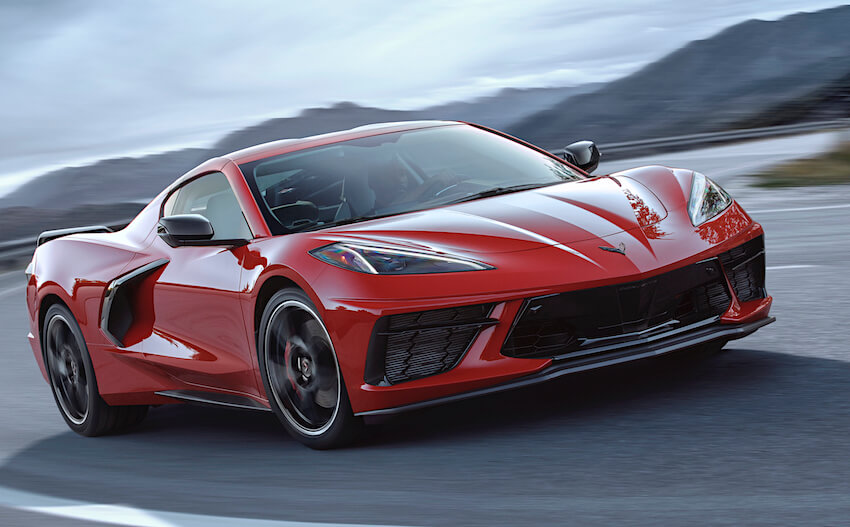 Punainen C8 Corvette Stingray. Kuva: GM Pressroom.