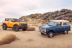 2021 ja 1966 Ford Bronco maastoautot