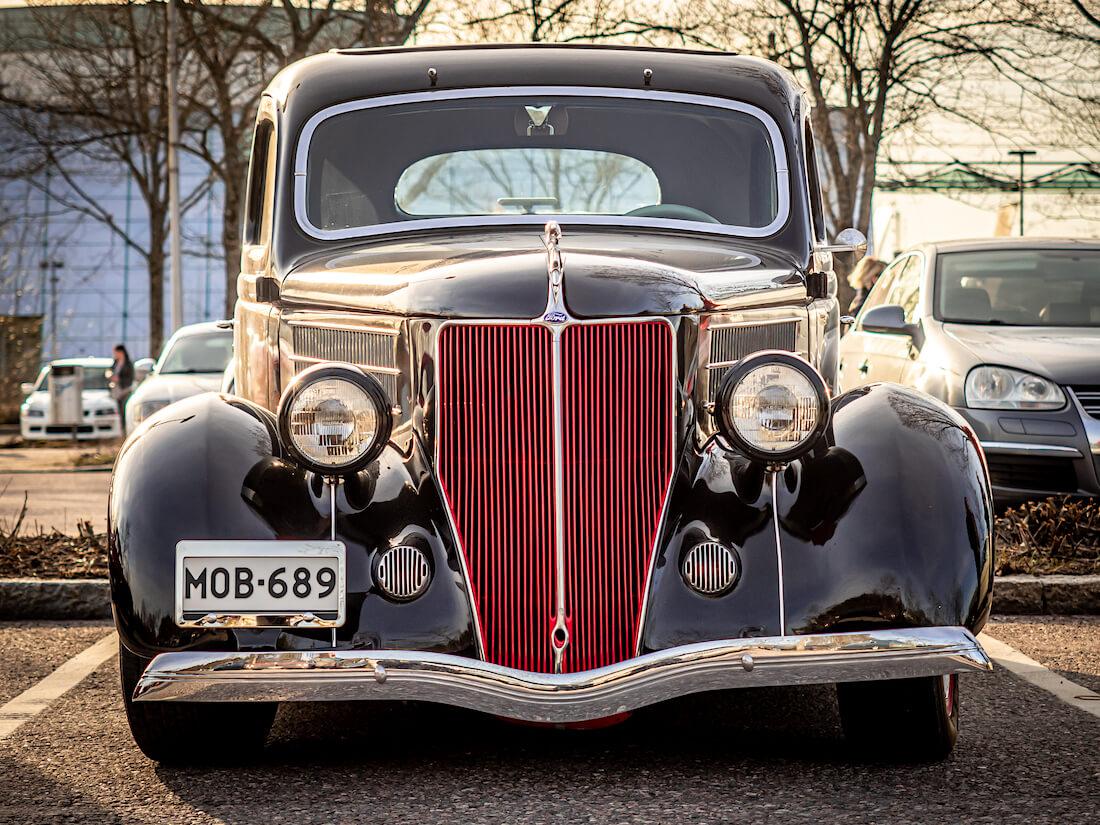 1936 Ford Model 68 Tudor Street rodi