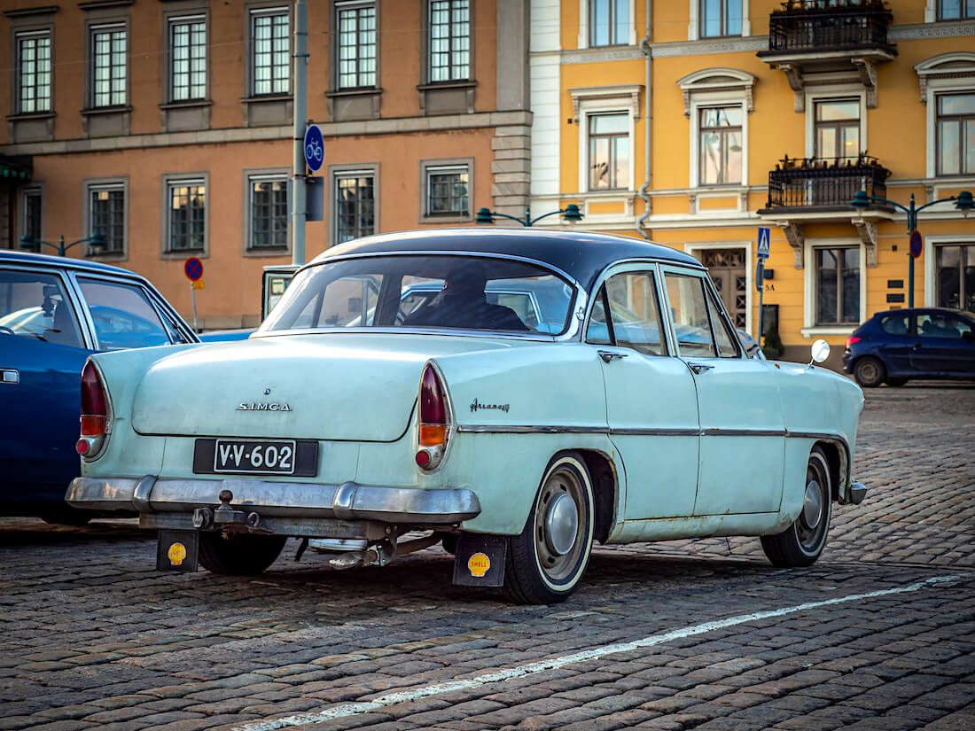 1962 Simca Ariane Helsingin kauppatorilla