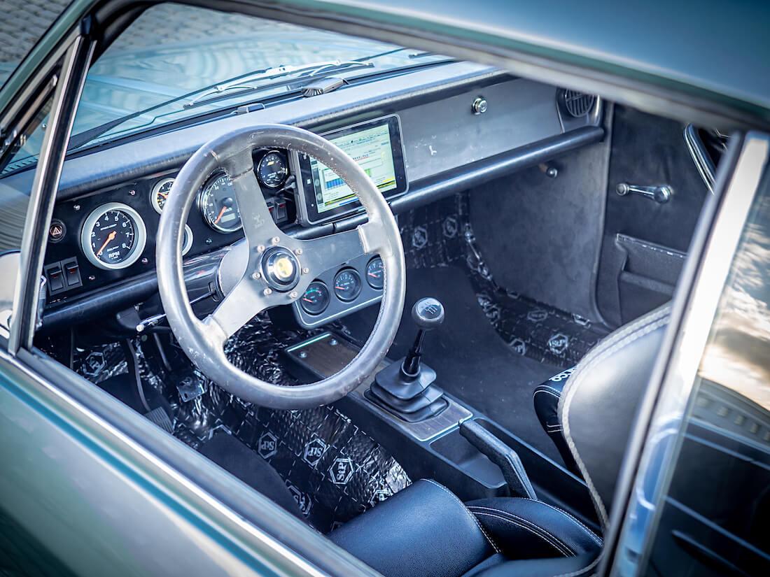 1971 Opel Commodore A GS customin ohjaamo
