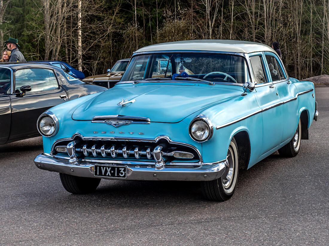 1955 DeSoto Firedome 4d Sedan suomiauto