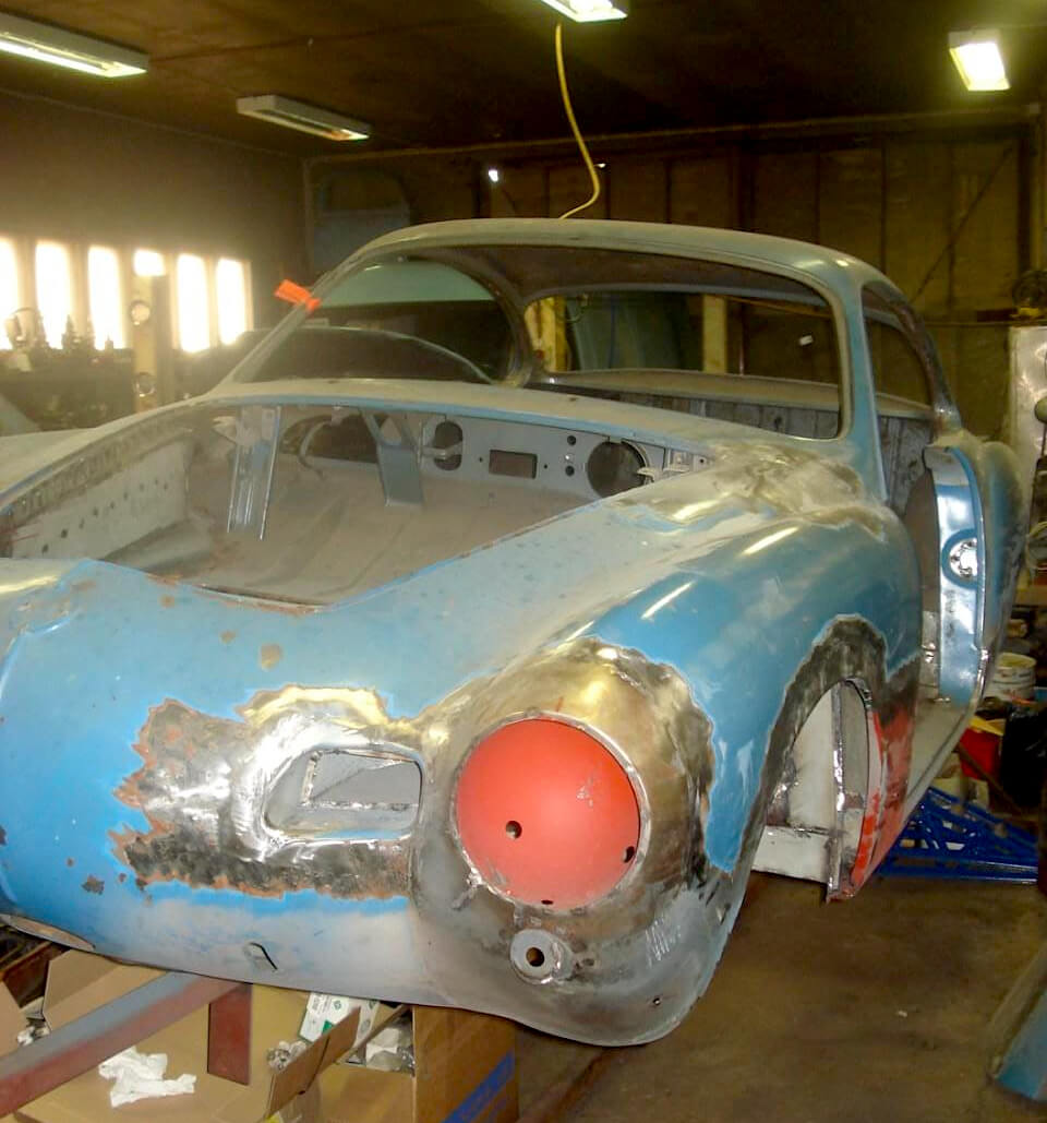 1957 Volkswagen Karmann Ghian keulan peltityöt