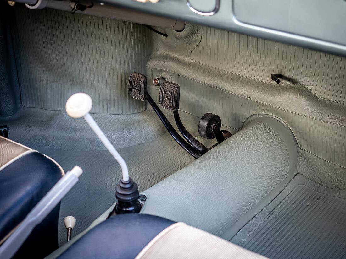 1957 Volkswagen Karmann Ghian rullakaasupoljin