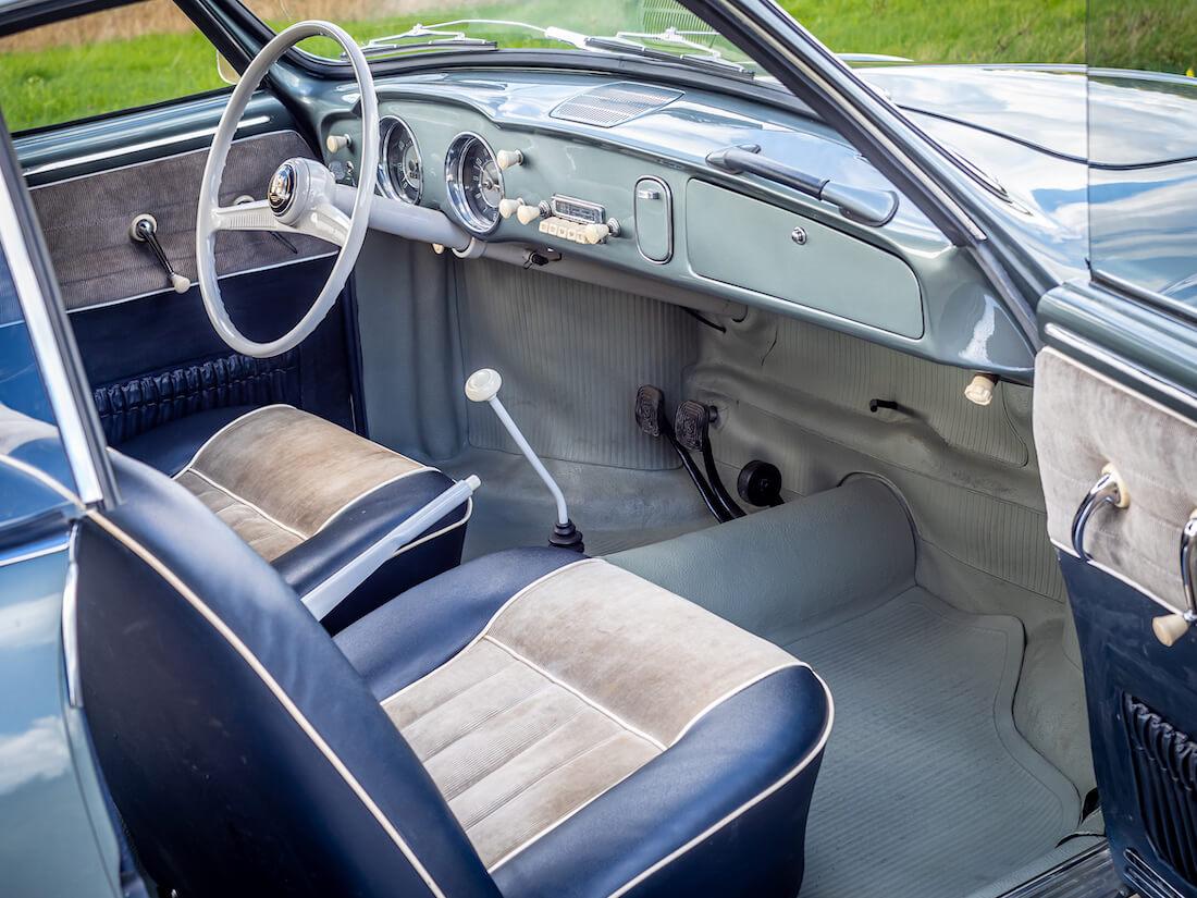 1957 Volkswagen Karmann Ghian vakosamettisisusta