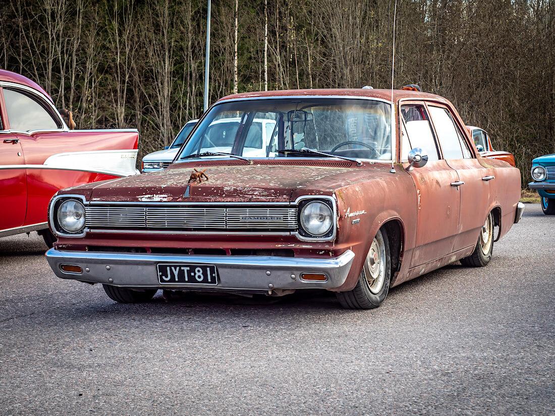 Ruosteinen 1966 Rambler American 4d Sedan