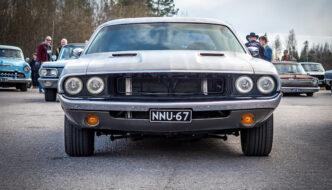 Korinvaihto 1972 Dodge Challenger Coupe edestä