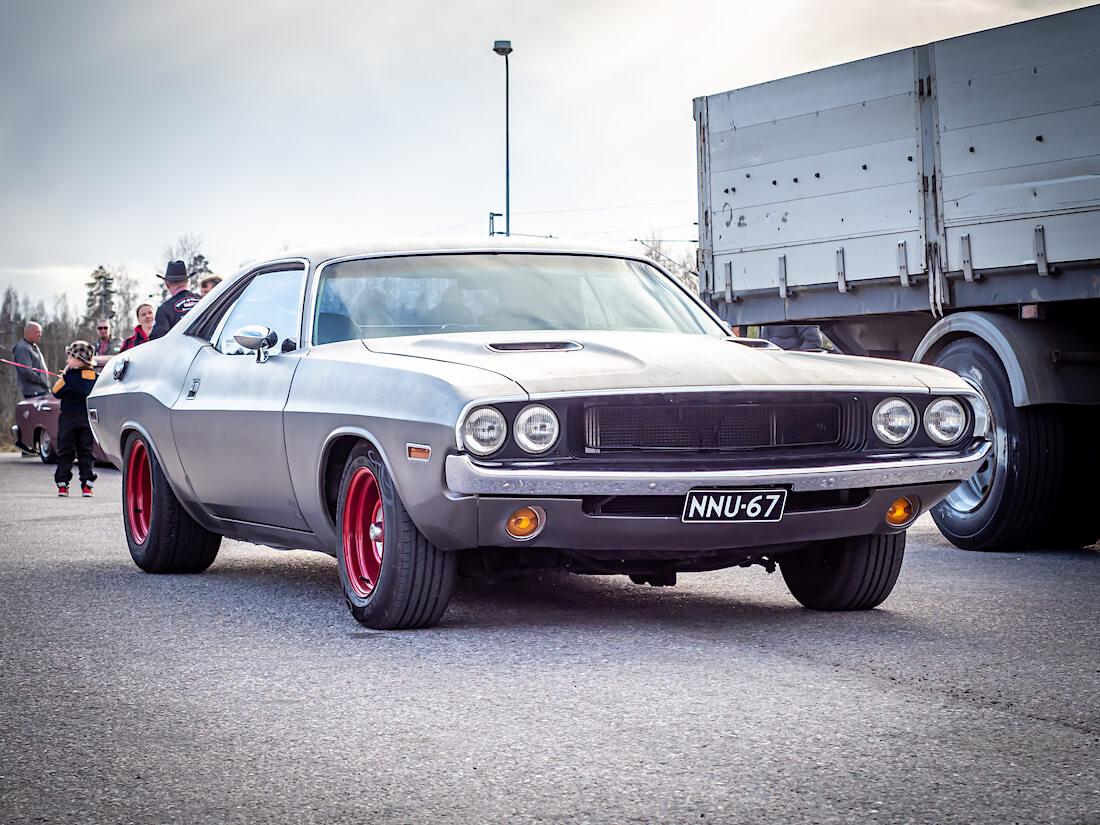 Korinvaihto 1972 Dodge Challenger Coupe 318cid V8